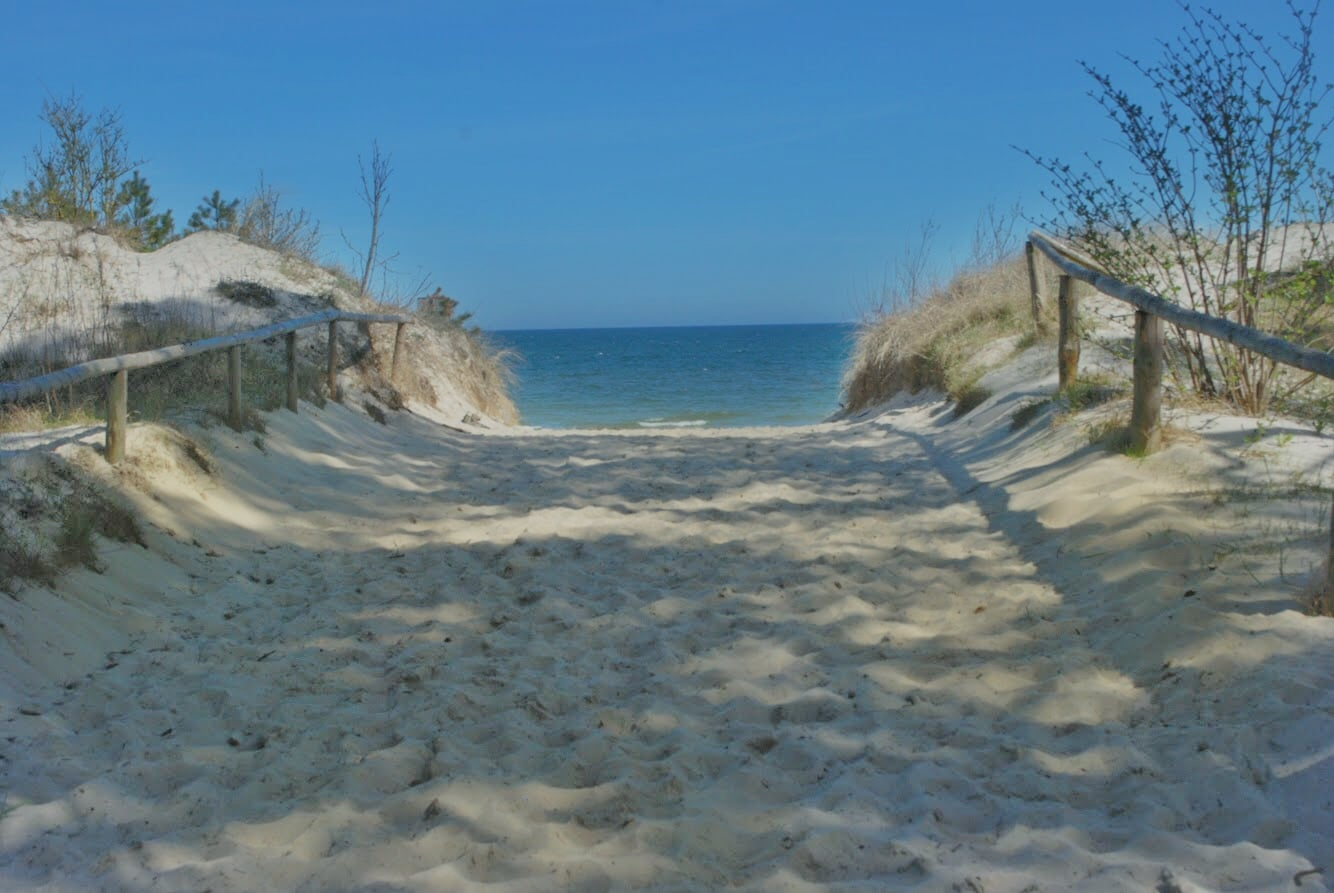 03-wejscie na plaze we wladyslawowie lato